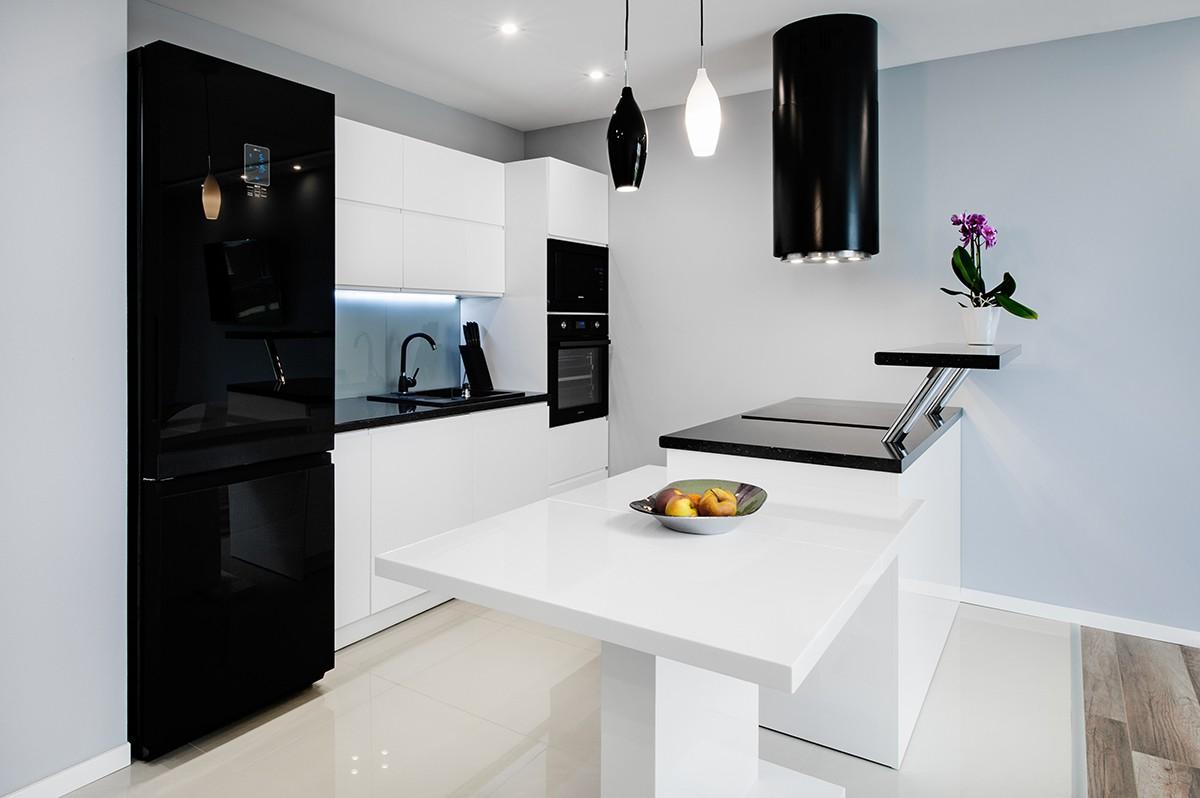 Küche Glasrückwand Nach Maß | Küchenrückwände Aus Satiniertem Und ...