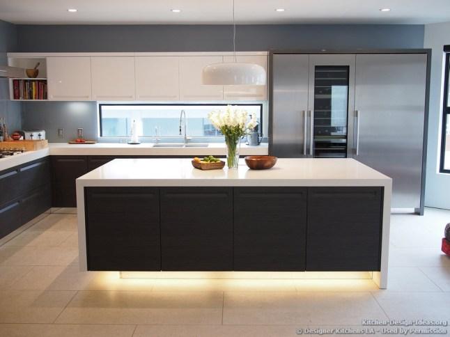 kitchen window backsplash ideas meccinteriors design bites glass tile backsplash slightly glitzier alternative