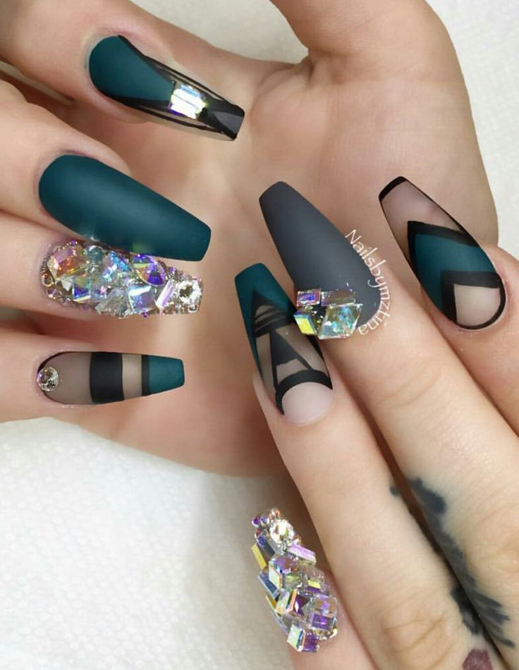 1000+ ideas about Rhinestone Nail Designs on Pinterest