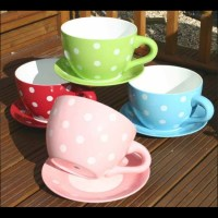 Polka-dot cups and saucers | pretty crockery | Pinterest