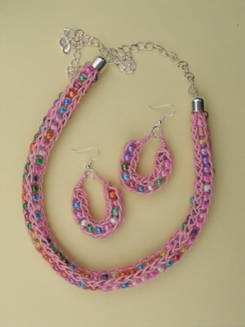 French Knitting Jewellery : Things to do with french knitting domesblissity