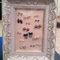 DIY earring holder for studs.   Korujen silytys - Jewelry ...