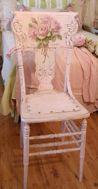pink wooden chair | Chic-Shabby-Cottage look | Pinterest