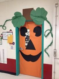 Cute pumpkin Door Decoration | Halloween school ideas ...