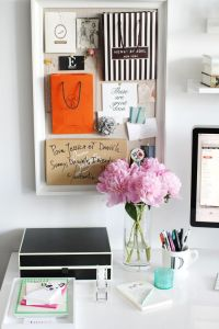 Adorn Beauty: Desk Decor