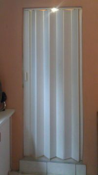 Folding Doors: Accordion Folding Doors Bathroom
