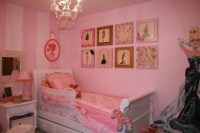 Vintage Barbie bedroom, so cute!!
