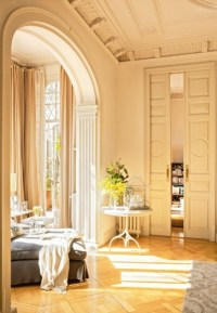 High ceiling & crown molding. Beautiful.   dream houses ...