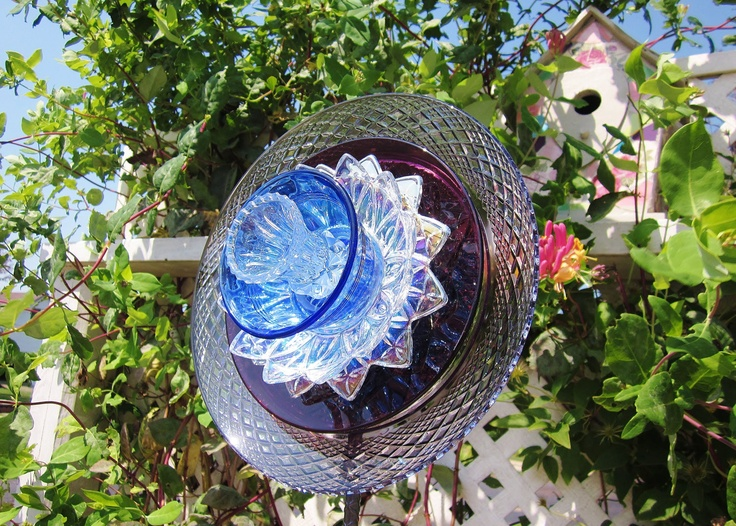 Garden art glass plate flower yard stake suncatcher repurposed upcycl