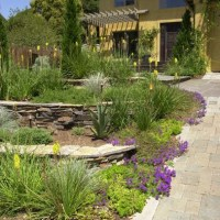 I make this blog: Tuscan style backyard landscaping ...