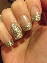 Ring finger, gold, glitter, acrylic nails, rubyrings ...