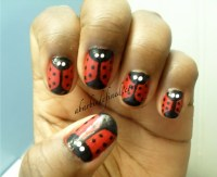 lady bug nails!
