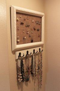 DIY jewelry holder | DIY | Pinterest