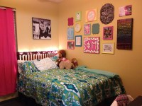 Dorm room. Wall decor! | {College} | Pinterest