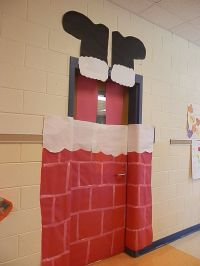 Santa stuck in the chimney door decoration | Bulletin ...