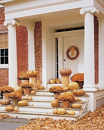Give your porch the Midas touch with gold #pumpkins.