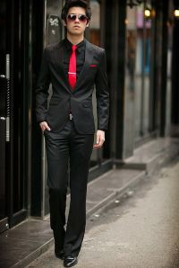 Black slim fit suit with red tie | My Style | Pinterest