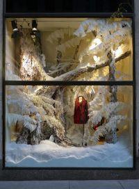 #anthropologie winter window display | Winter decorating ...