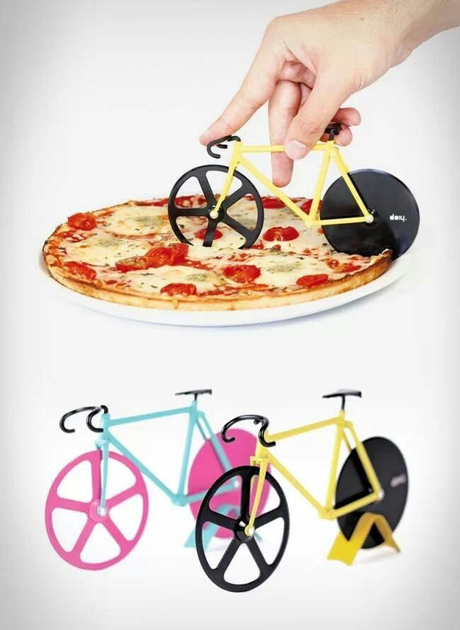 Pizza cutter.