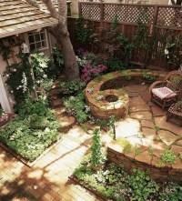 Very cozy cottage-like backyard | gardens | Pinterest