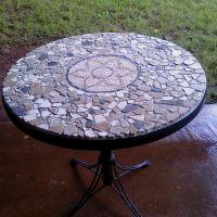 DIY mosaic table. OMG mosaic my patio table...hmmmmm ...