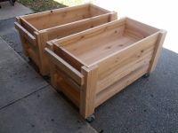 DIY raised planter boxes on wheels | DIY | Pinterest