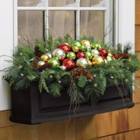 Beautiful Christmas window box | Christmas | Pinterest