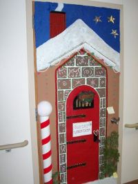 santa workshop door decoration contest