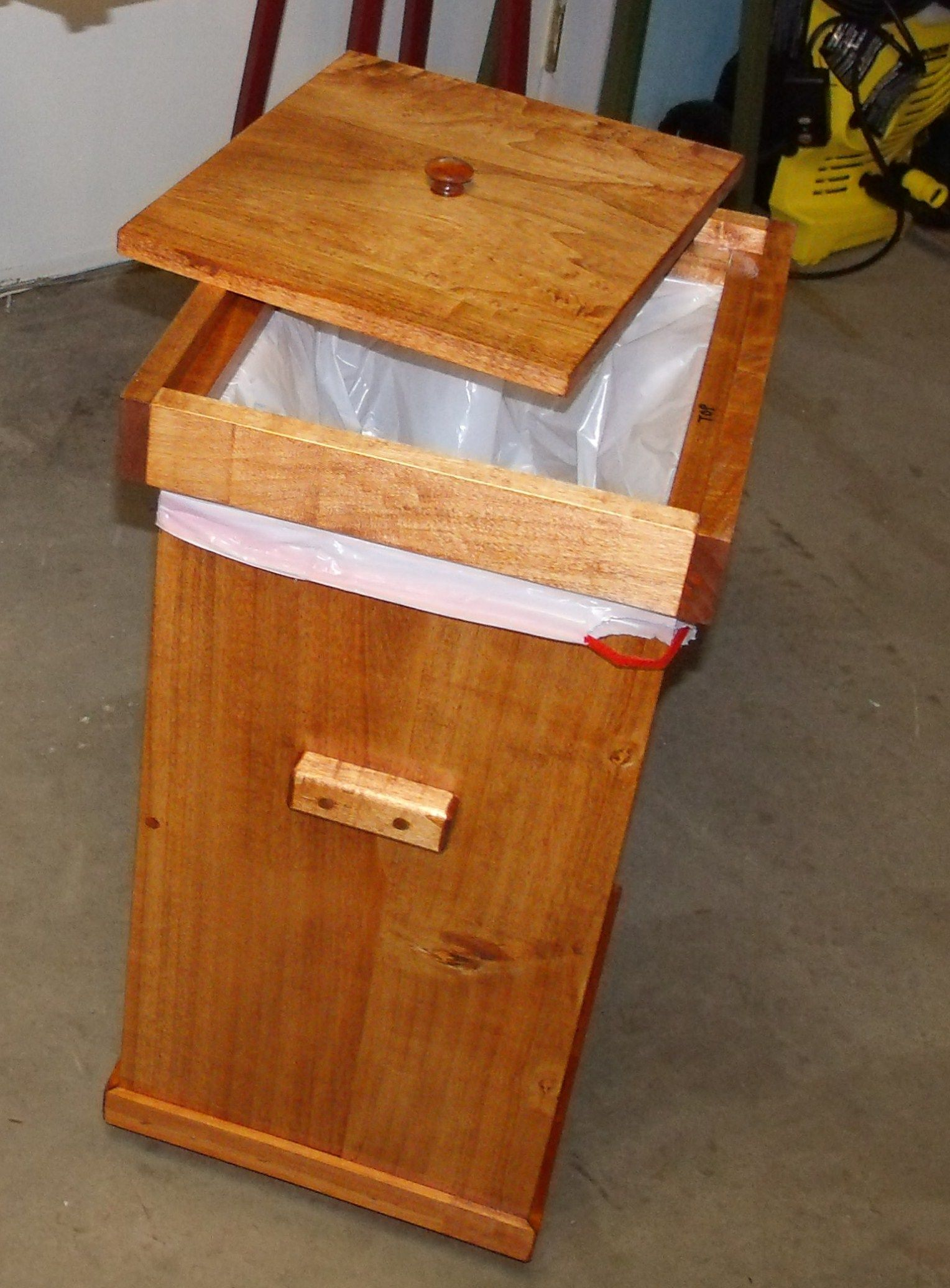 Trash Can With Lid Kitchen Kitchen Garbage Can With Lid Organizing Pinterest