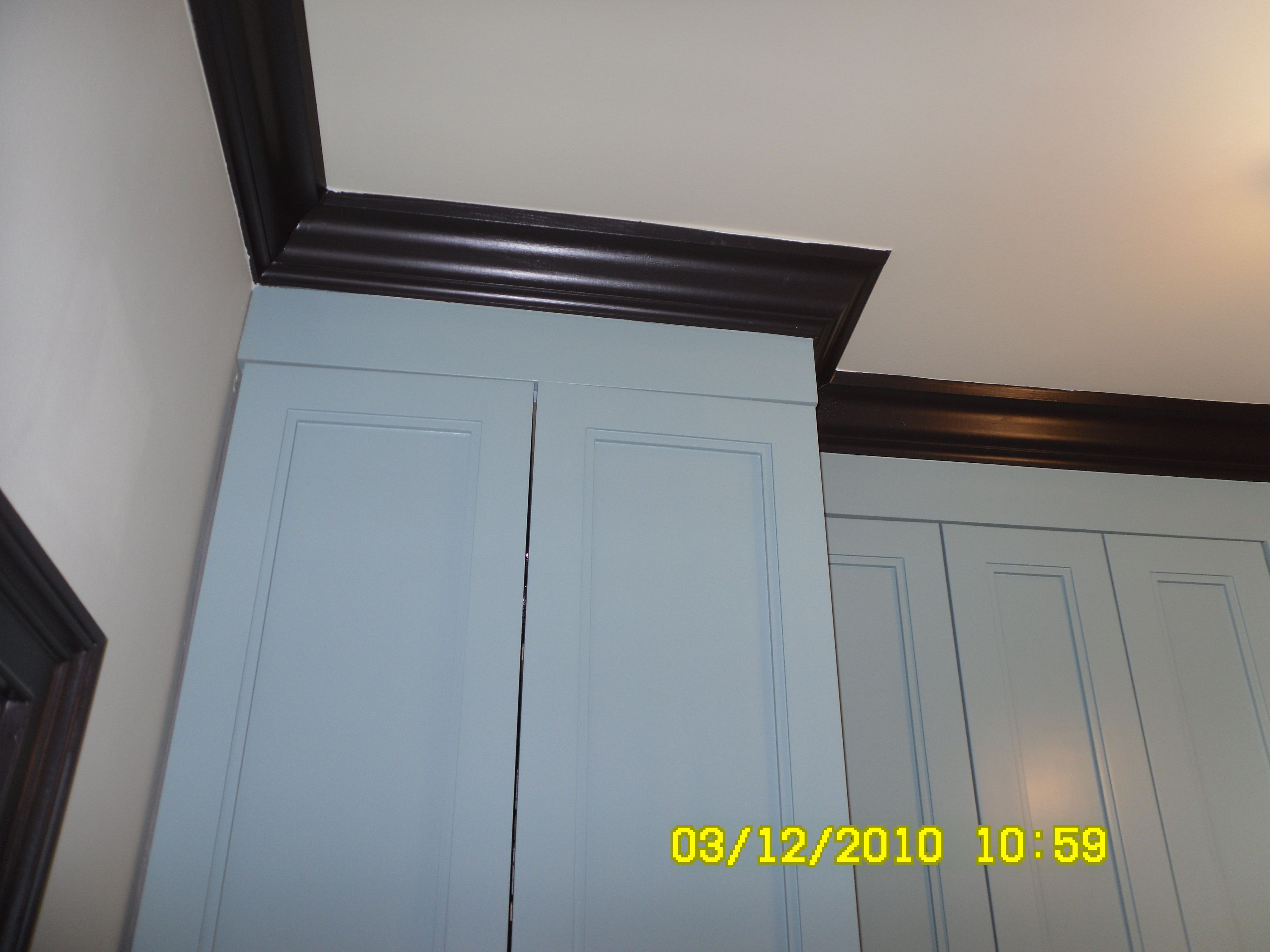 Crown Moulding Above Kitchen Cabinets Kitchen Cabinet Crown Molding Country Kitchen Pinterest
