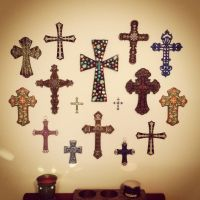 Cross wall-dining room | Home Decor | Pinterest