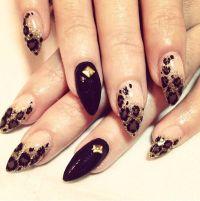 Almond Nail Art