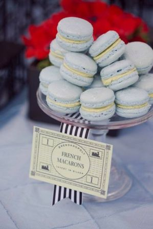 themed wedding French macarons