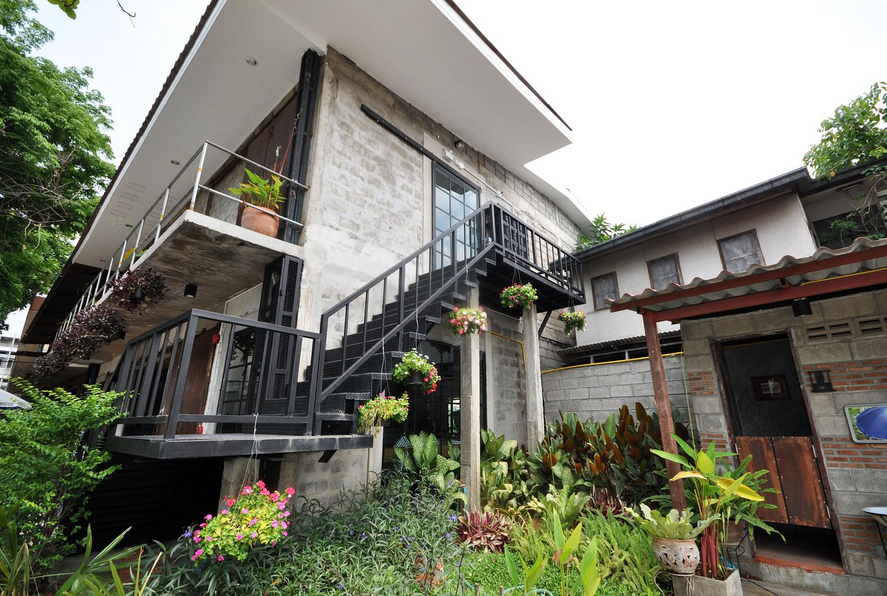 Arte Guest House Chiang Mai What S Up Chiang Mai Updated 2019 Prices Hostel Reviews