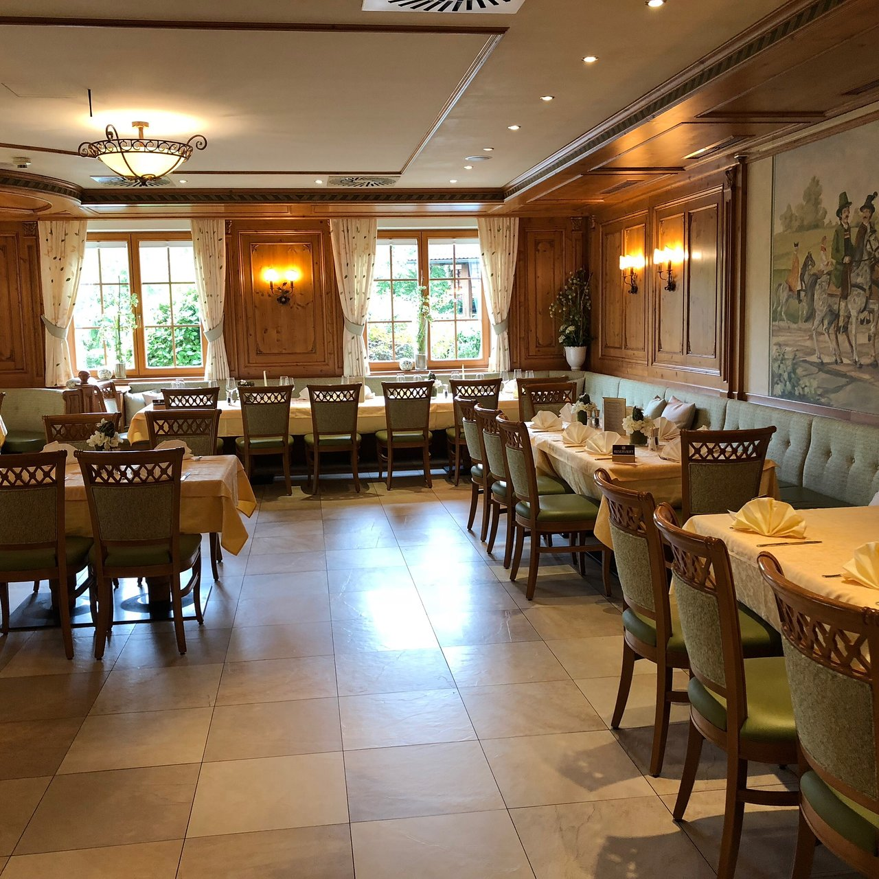 Bistro Esszimmer Am See Grunauer Hof Prices Hotel Reviews Salzburg Region Austria