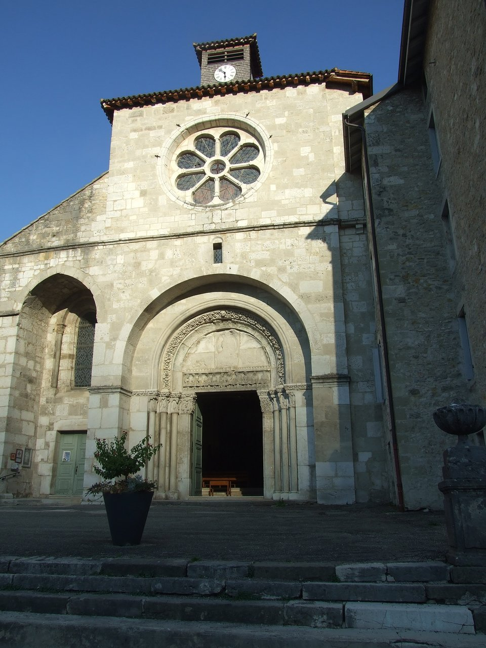 Office Tourisme Nantua Abbatiale Saint Michel Nantua All You Need To Know Before You