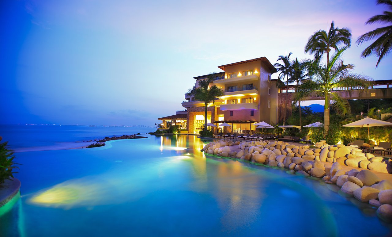 Camino Real Resort In Puerto Vallarta The 10 Best Hotels With Entertainment In Mexico Jun 2019 With