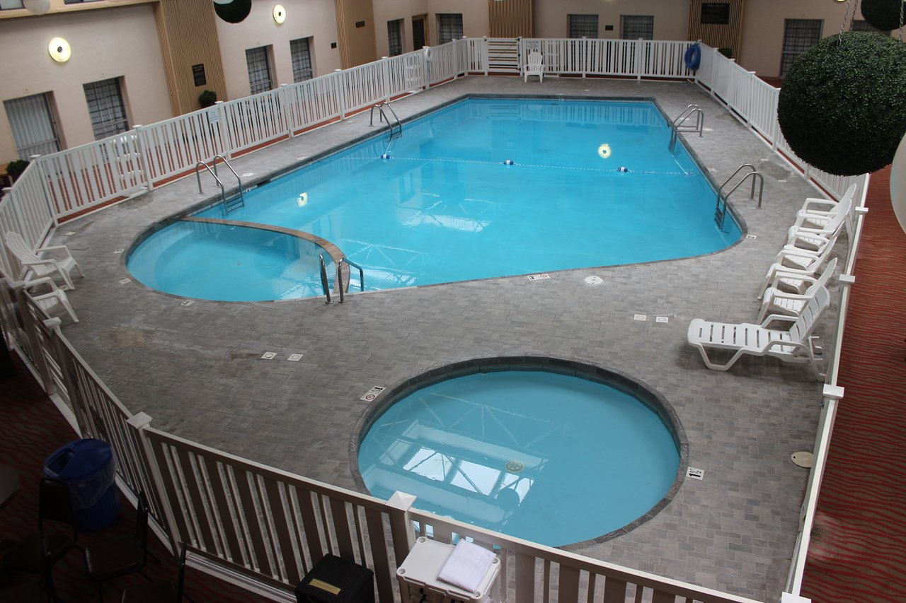 Gfk Pool King The 10 Closest Hotels To Grand Forks Airport Gfk Tripadvisor