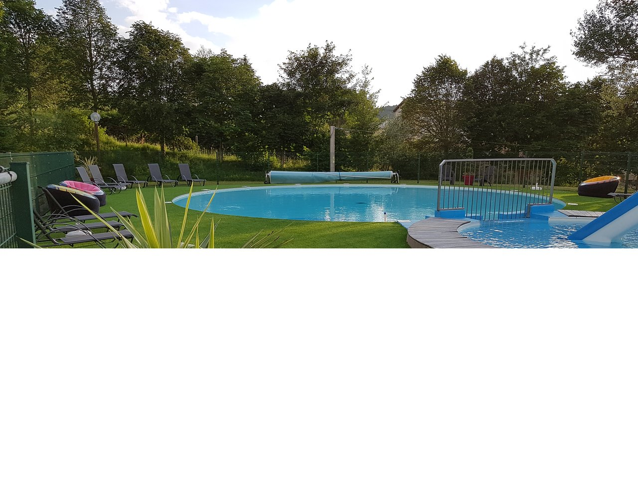 Camping La Chaise Dieu Camping Le St Eloy Saint Germain L Herm France Campground
