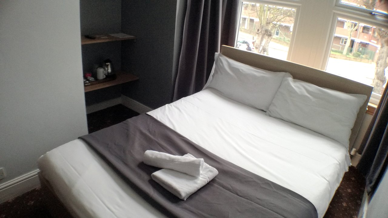 Bed And Breakfast Romford The Mawney Hotel Updated 2019 Prices B B Reviews And Photos