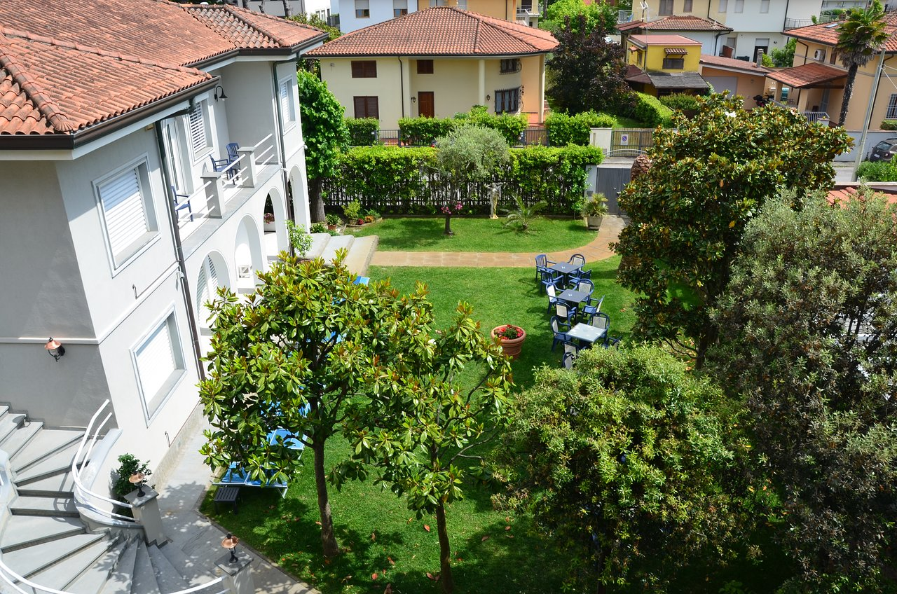 Bagno Bruno Forte Dei Marmi Hotel Fortunella Updated 2019 Prices Reviews And Photos Lido