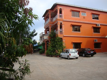 Golden Takeo Guesthouse Review