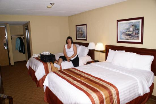 Hotel Rooms Near Bed Bugs Found In Bed At Hotel. - Picture Of Days Inn