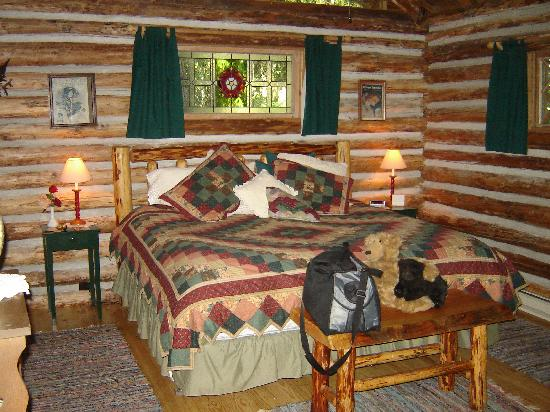 Log Cabin Living Room - Picture of Guest House Log Cottages - log cabin living rooms