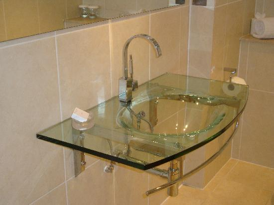 See Through Sink In Bathroom