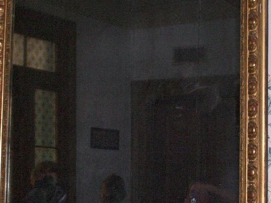 The Ghost in the Mirror - Picture of The Myrtles Plantation, Saint Francisville