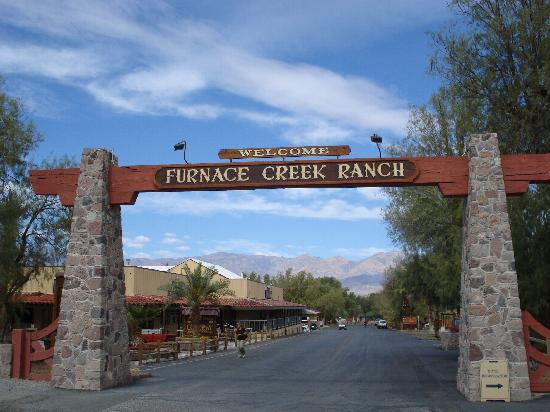 Esterno Picture Of Furnace Creek Inn And Ranch Resort
