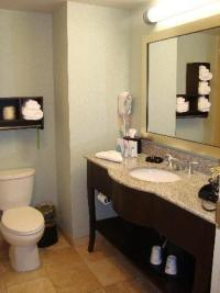 nice bathrooms! - Picture of Hampton Inn Colby, Colby ...