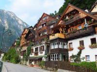 amazing cliff-side houses in Hallstatt - Picture of Gruner ...