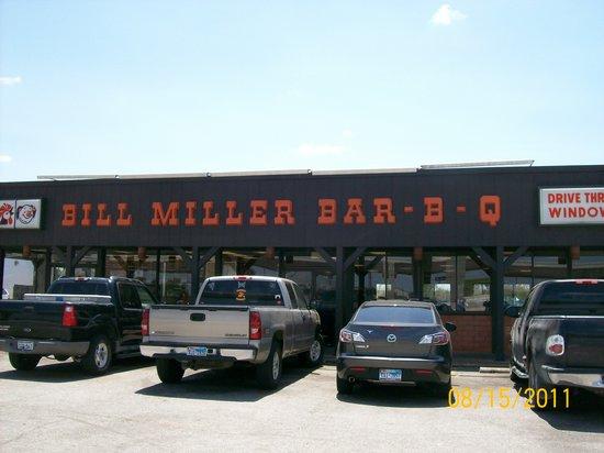 Bill Miller Bar-B-Q, Austin - 709 E Ben White Blvd - Restaurant